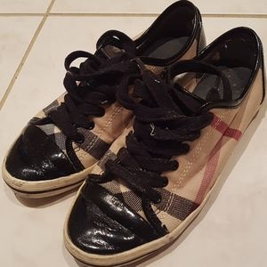 Vintage Burberry classic sneakers shoes woman